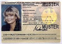 laminierter Personalausweis